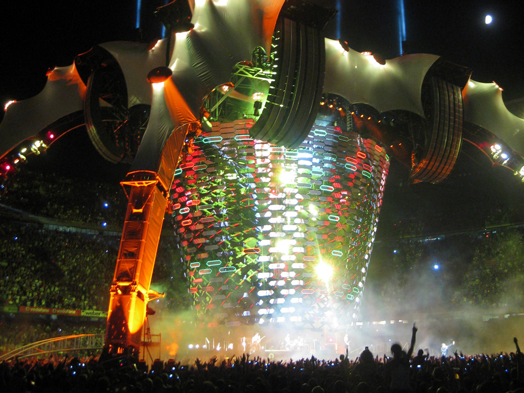 u2360 multi colored stage