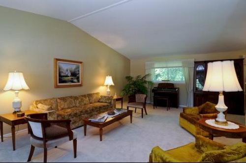28 s winston living room-002