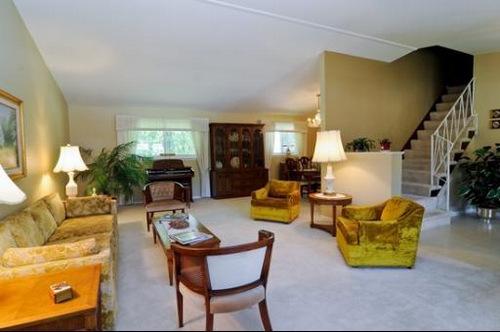 28 s winston living room 2-001